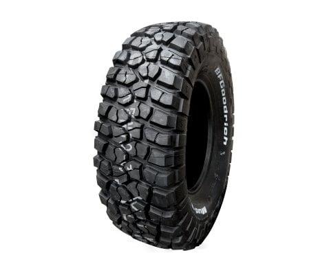 BF Goodrich 3056018 121/118Q 10PR Mud Terrain T/A KM2 RWL